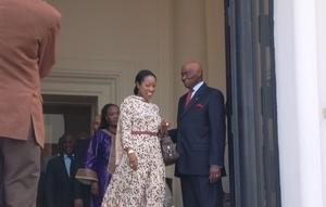 Photo: Wade fait ses adieux à Mme Awa Ndiaye