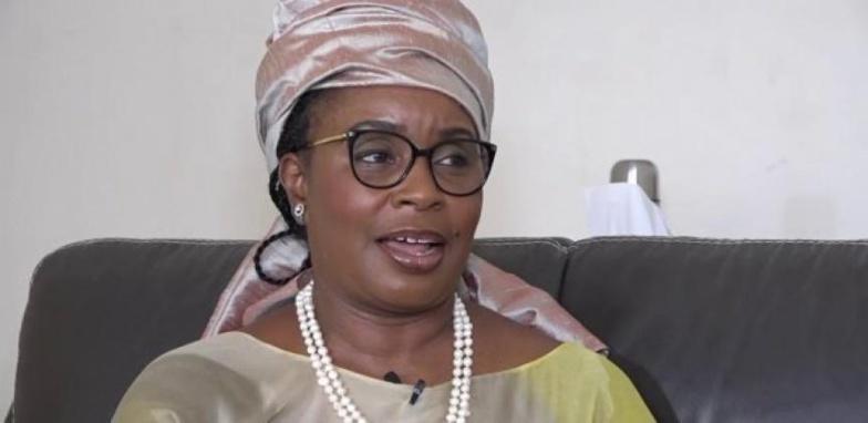 """Ndèye Fatou Ndiaye Blondin : """" On doit diminuer le budget de la présidence pour payer les dettes de la Senelec"""""""