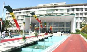 La dissolution de l'Assemblée nationale est ''une mesure salutaire'', selon Mbaye Ndiaye
