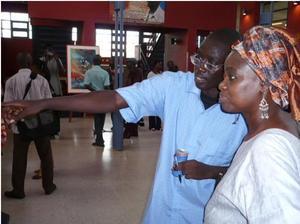Pofrima Selo avec Mariètou Diongue Diop, au Vernissage de l'expo L'AFRIQUE EN QUESTION à l'Ucad, en 2008.