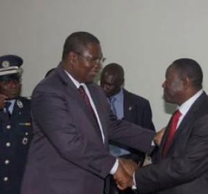 Ousmane Ngom a passé le témoin à Mbaye Ndiaye