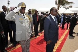 Macky Sall est arrivé à Banjul