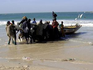 Mauritanie: l'Ambassadeur du Sénégal  visite la plage des pêcheurs