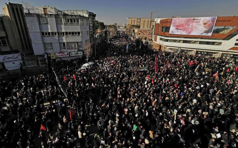 Iran: 32 morts dans une bousculade au sein de la foule pendant l'enterrement du général Soleimani