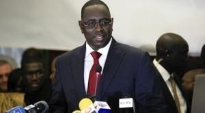 Macky Sall annonce la baisse de la fiscalité sur les salaires en janvier 2013.
