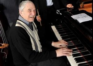 Saint-Louis jazz s'ouvre ce soir avec le pianiste René Urtreger et l'Ensemble lyrique traditionnel