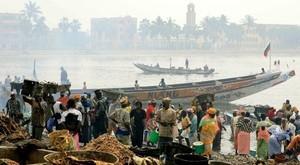 Saint Louis, l'ex-capitale du Sénégal, le 20 mai 2006. REUTERS/ Juan Medina