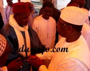 (Photos-Vidéos) La prière de Macky Sall à la grande mosquée de Saint-Louis