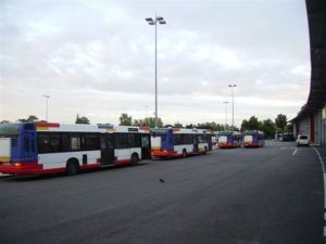 Toulouse offre 10 bus à Saint Louis  et 670 000 euros pour l'assainissement.