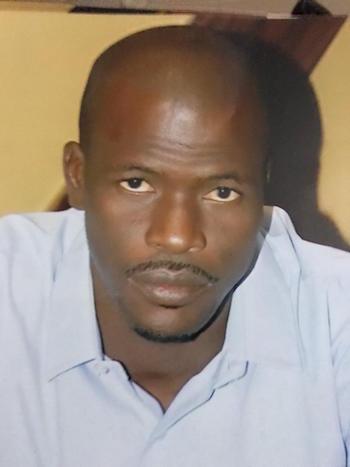 « Si Mansour FAYE a choisi de publier l'avis d'offre, c'est pour favoriser la concurrence et la compétitivité entre les fournisseurs », explique Samba NDIAYE, responsable de la passation des marchés à l'UGB.