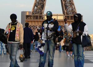 ++Envoyé Spécial++Espagne : Des émigrés saint-louisiens lancent l'opération ''Gnibissi' (retour au bercail)