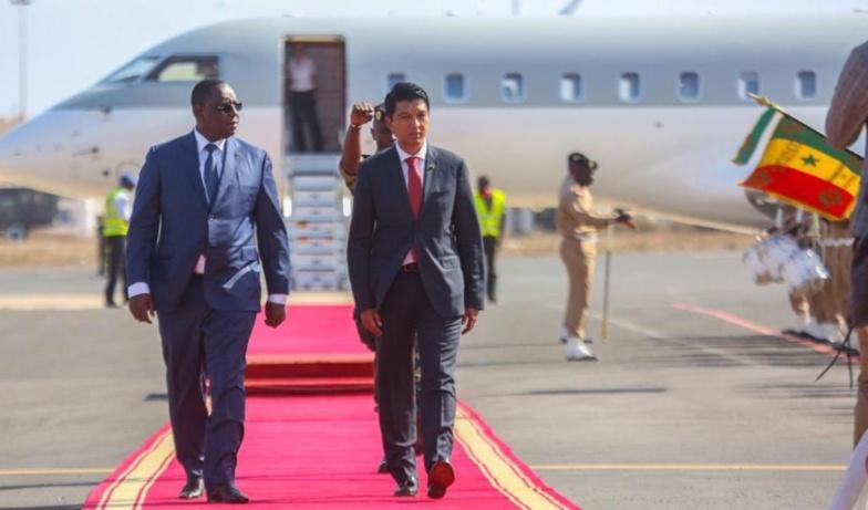 """Covid-Organics"" : Macky félicite Rajoelina et passe une commande"