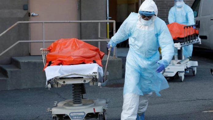 Covid-19 : le bilan journalier des décès diminue aux États-Unis
