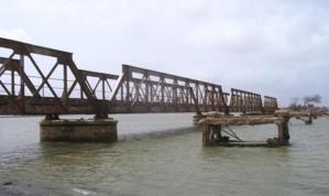 Alerte : Des inconnus coupent et bradent les ferrailles du Pont Leybar