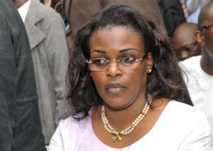 La Première dame a rendu visite à Ousmane Masseck Ndiaye, malade.