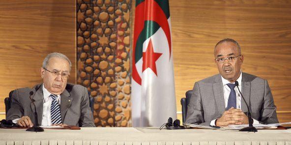 Algérie: réduction de 50% du budget de fonctionnement de l'État