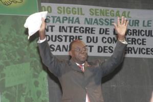 Direct: Elu président de l'Assemblée nationale, Moustapha Niasse fond en larmes