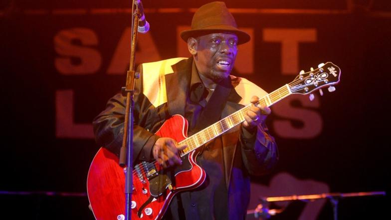 Lucky Peterson au festival de jazz de Saint Louis au Sénégal, le 8 juin 2014. (REUTERS/Laurent Gerrer)