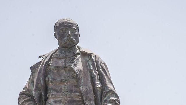 La présence dérangeante de de la statue de Faidherbe à Saint-Louis. Par Khadim NDIAYE