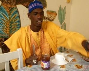 Djiby Seye alias « Ndiol Toth Toth »: « le théâtre sénégalais souffre énormément et a besoin de soins intensifs ».