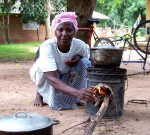 Communauté rurale de Gandiole:   Introduction des fourneaux cuiseurs à économie de bois