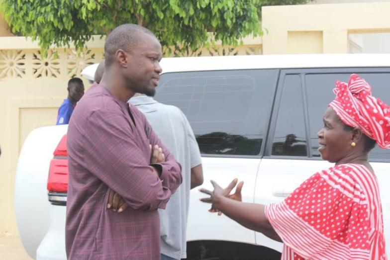 """750 milliards du plan décennal  """" Ils n'ont même pas injecté 200 milliards"""", révèle Ousmane Sonko"""