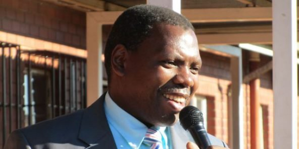 Afrique du Sud: le ministre de la Santé positif au Covid