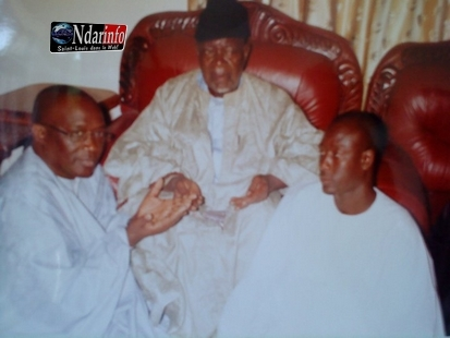 Photo d'archives de Masseck Ndiaye avec Serigne Bara Mbacké.