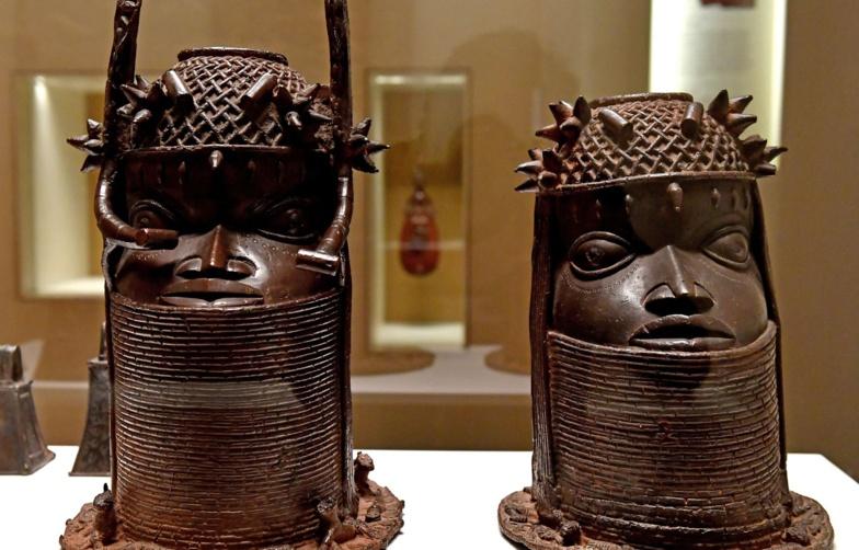 Feu vert du Sénat français à des restitutions de biens culturels au Sénégal et au Bénin