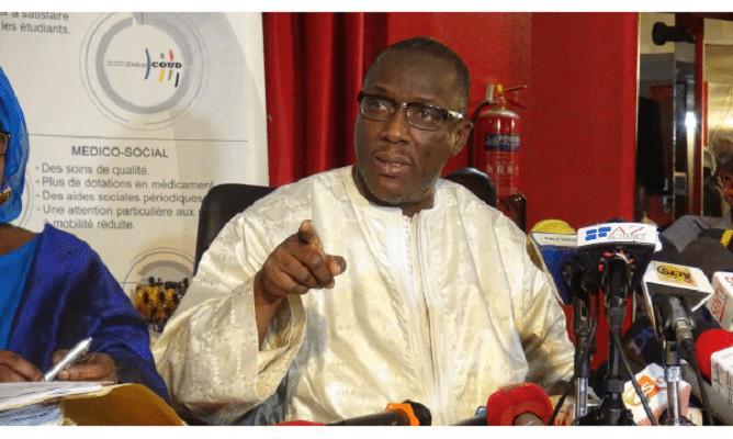 """Cheikh Oumar Hann lâche : """"Si Macky est candidat en 2024 ce sera pour un 2ème mandat"""""""