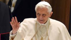 Le Pape Benoît XVI annonce sa démission pour le 28 février.