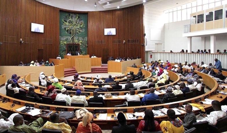Des cas de Covid-19 à l'Assemblée : Une vingtaine de députés hospitalisés