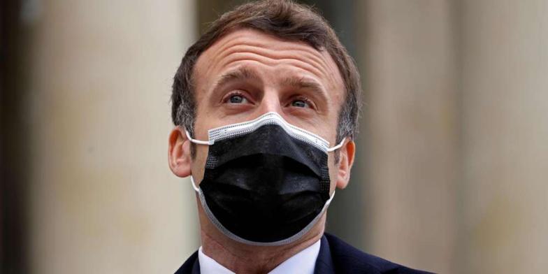 Macron positif à la Covid-19: un dîner de la majorité à l'Élysée fait polémique
