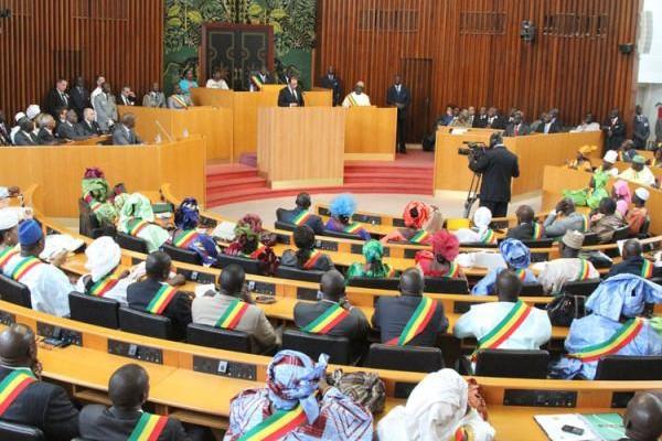 Modification de la loi relative à l'état d'urgence et l'état de siège : Le projet adopté par la majorité