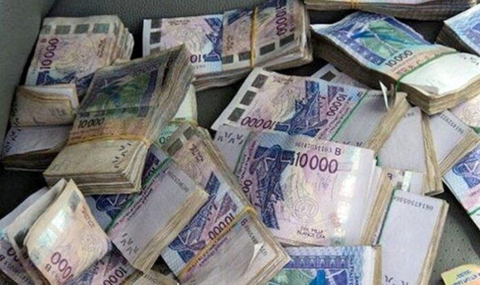 Un milliard Fcfa en faux billets saisis aux Mamelles, 3 personnes arrêtées