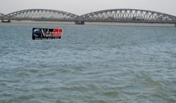 Suicide : Un homme  monte sur le pont Faidherbe et saute dans le fleuve.