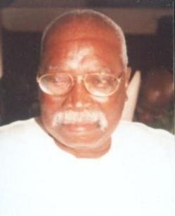 Hommage au Doyen Oumar Diallo, illustre conseiller municipal, très attaché à sa ville.
