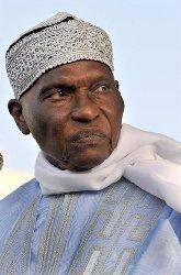 Me Olivier Sur décrit les conditions de vie de Abdoulaye Wade à Versailles.