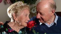 Insolite: Elle trouve l'amour à 106 ans