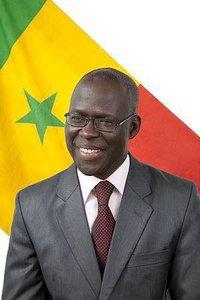 Permettez que nous corrigions votre copie, Monsieur le secrétaire général Cheikh Bamba Dièye …