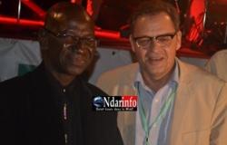 Ibrahima Diop, le président de Saint-Louis Jazz et Pierre Bérégovoy, directeur général de la Banque internationale pour le commerce et l'industrie du Sénégal (BICIS).