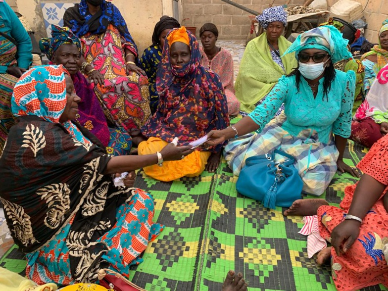 Œuvres solidaires : Mme Dieynaba NDIAYE au chevet des familles démunies (photos)