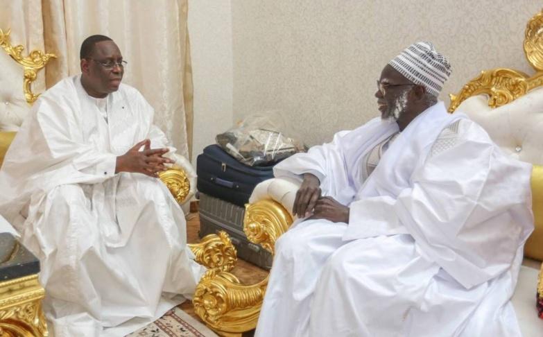 Touba : Après la visite de Sonko, Macky reçu nuitamment par Serigne Mountakha