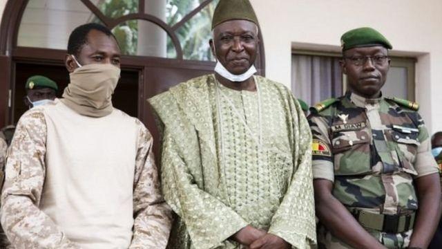Mali: Assimi Goïta a reçu une délégation de la CMA en présence de Choguel Maïga
