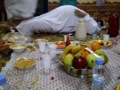 SANTE: Il faut éviter de trop manger d'un coup pendant le Ramadan.