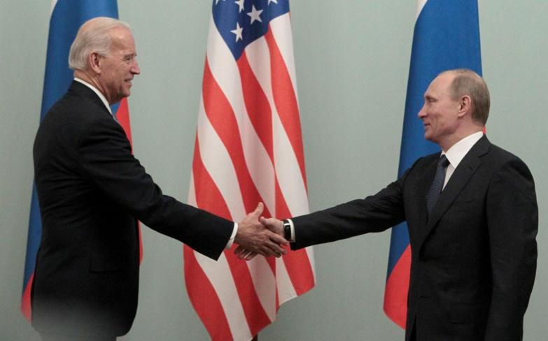 Poutine et Biden se sont entendus pour un retour de leurs ambassadeurs respectifs