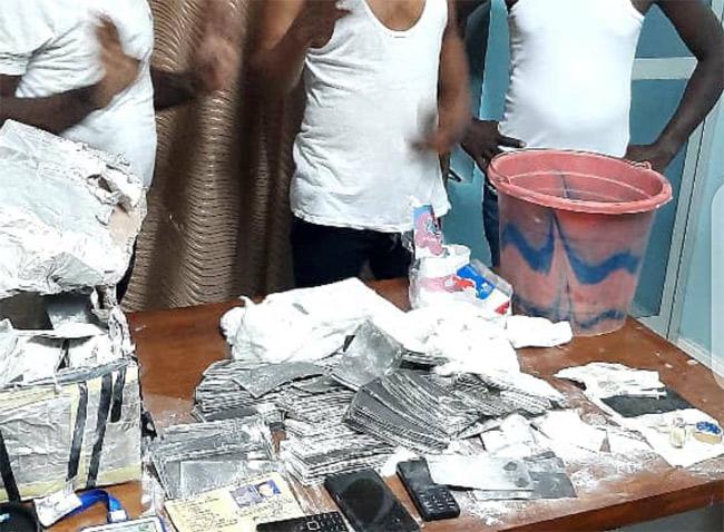 Trafic de faux-billets : Cinq individus dont deux Nigérians arrêtés
