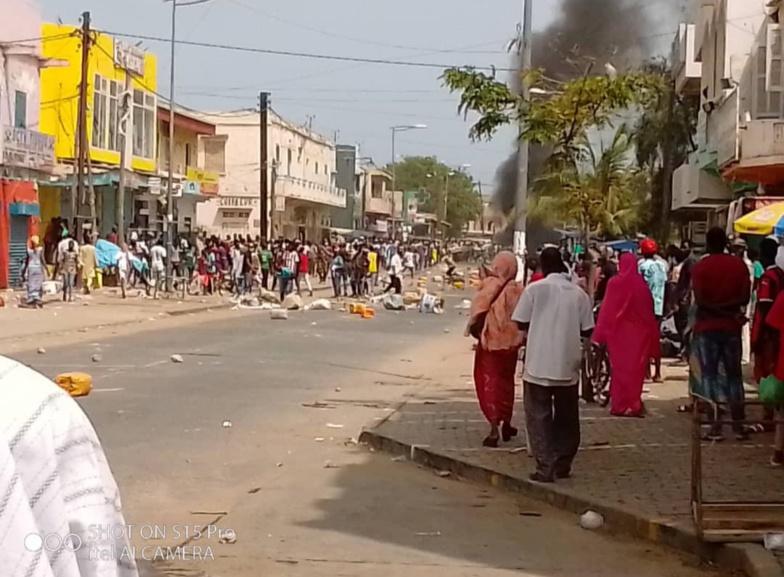 Manif d'ambulants : tension au marché Sor