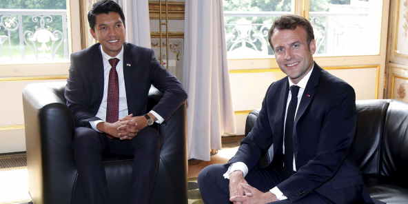 Le président malgache reçu à Paris par Emmanuel Macron pour un début d'apaisement