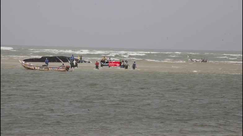 Chavirement d'une pirogue de clandestins : 11 personnes secourues par la marine